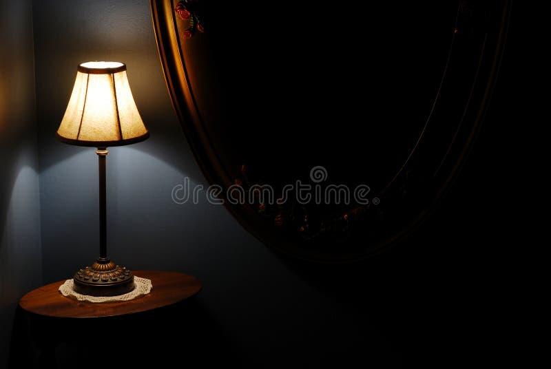 trappa för lamplandningnatt royaltyfri bild