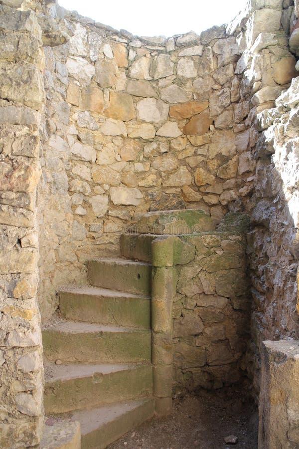 Trappa i den Beckov slotten royaltyfria foton