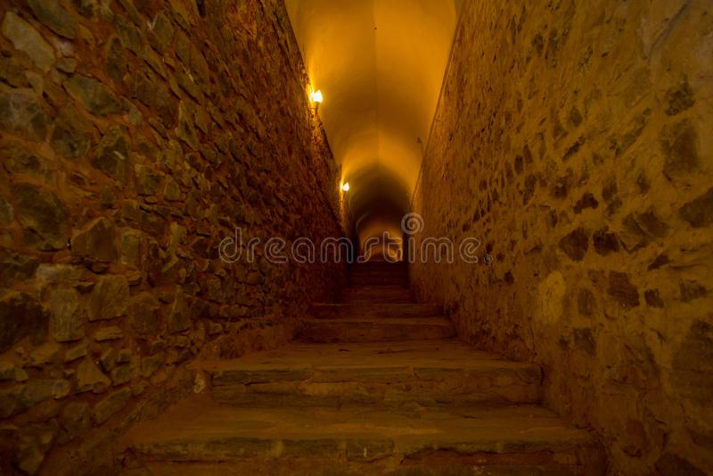 Trappa i en tunnel i Amber Fort, Jaipur, Indien royaltyfri fotografi