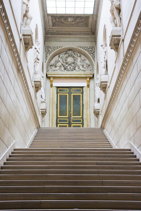 Trappa i slotten de Versailles arkivfoton