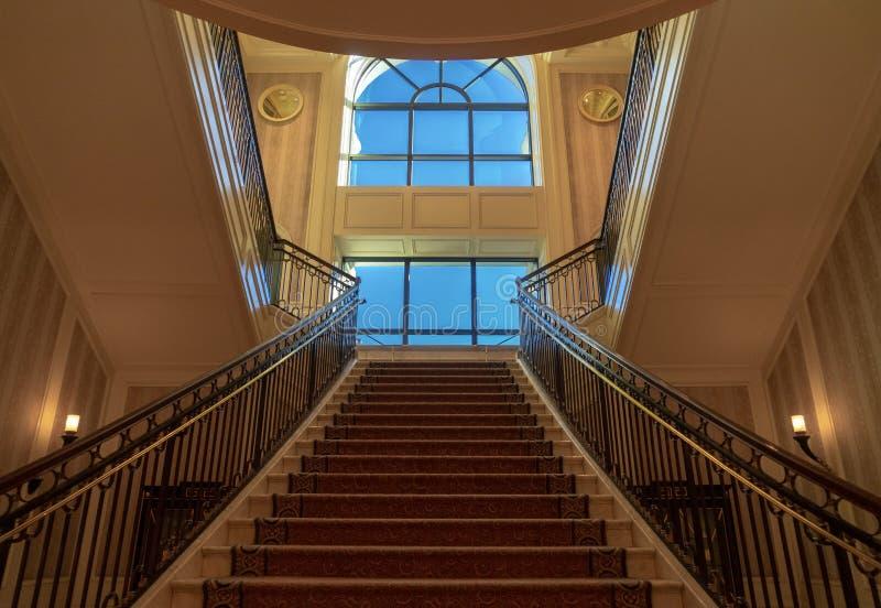 Trappa till ett stort fönster, Ceasars slott, Las Vegas, Nevada, USA, Oktober 2018 arkivfoton