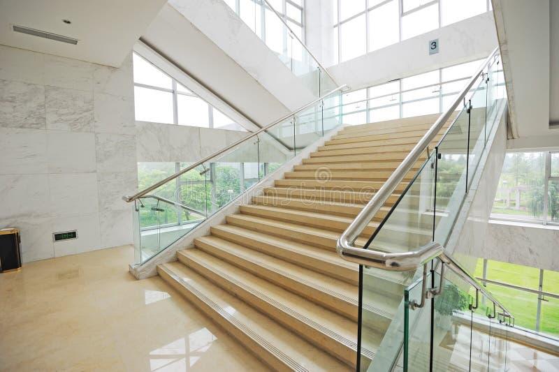trappa uppåt arkivbild