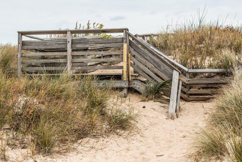 Trappatillträde till den första landningdelstatsparken för strand royaltyfri fotografi