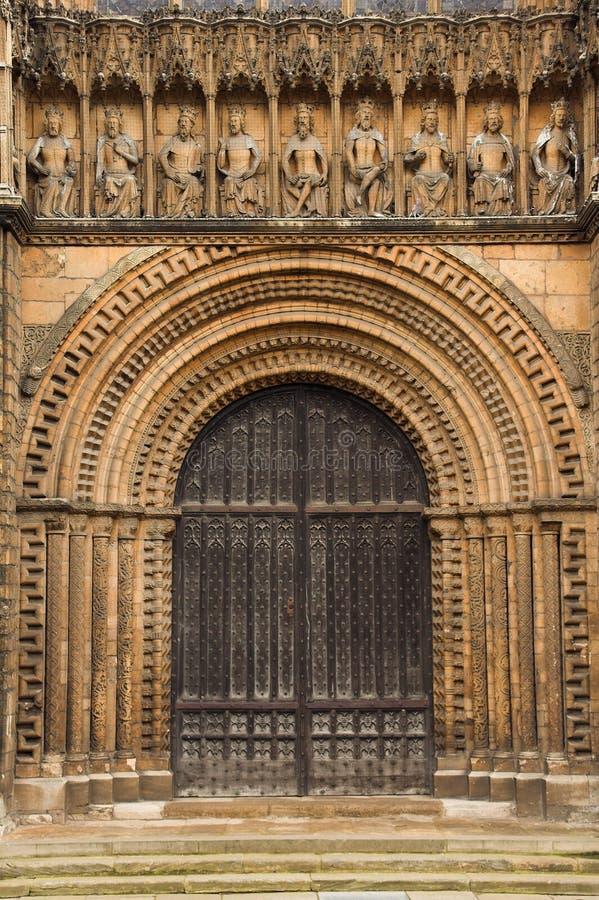 Trappe arquée de cathédrale images stock