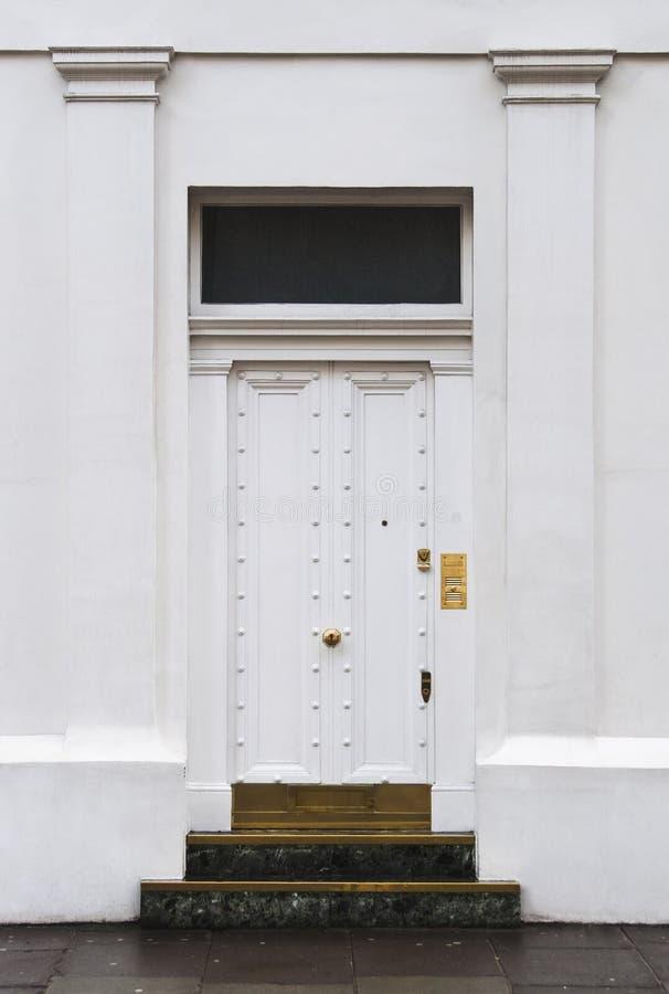 Trappe blanche à Londres photographie stock libre de droits