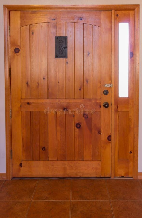 Trappe d'entrée en bois photos stock