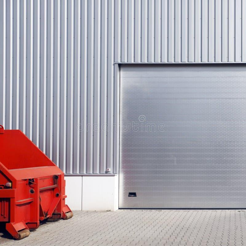 Trappe de garage d'entrepôt photographie stock libre de droits
