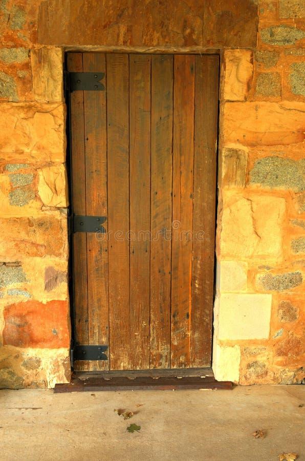 Download Trappe en bois image stock. Image du portique, trappe, ouvert - 91155