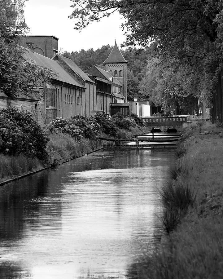 Trappist-Brauerei in Westmalle, Belgien in Schwarzweiss lizenzfreies stockfoto