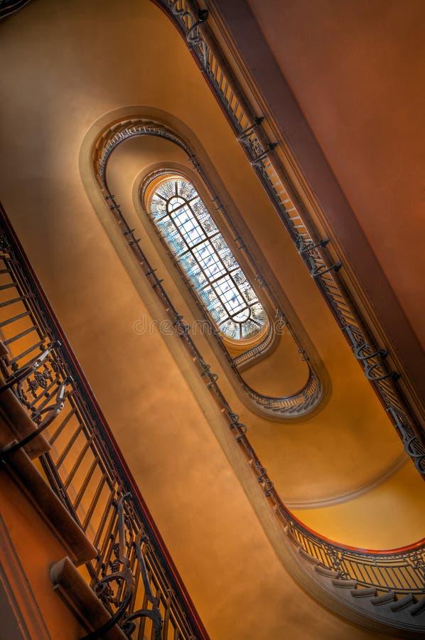 trappuppgång upp spolning arkivfoto