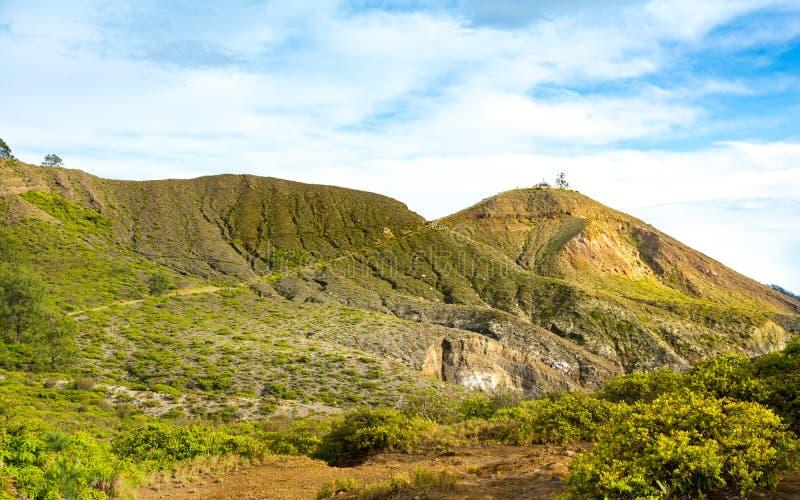 Trasa wierzchołek góry Kelimutu punkt widzenia obrazy stock