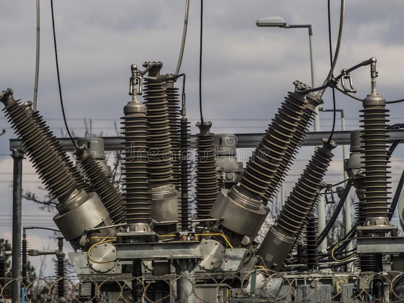 Trasformatori elettrici delle linee ferroviarie fotografia stock libera da diritti