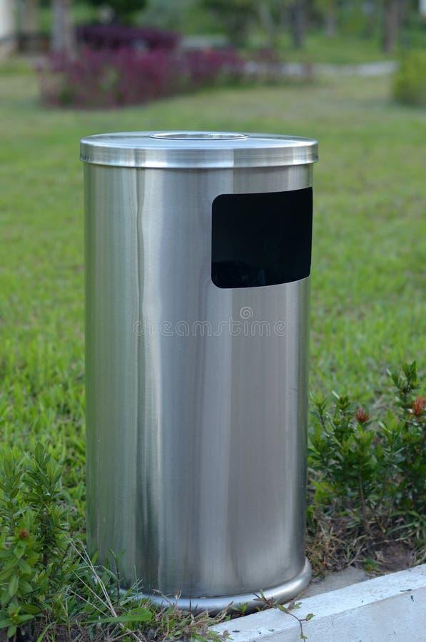 Download Trashcan стоковое фото. изображение насчитывающей environment - 33735528