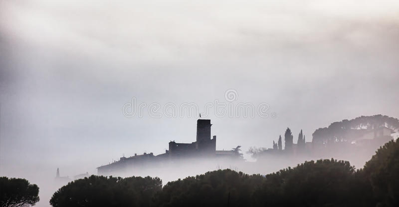 trasimeno passignano озера замока стоковые фото