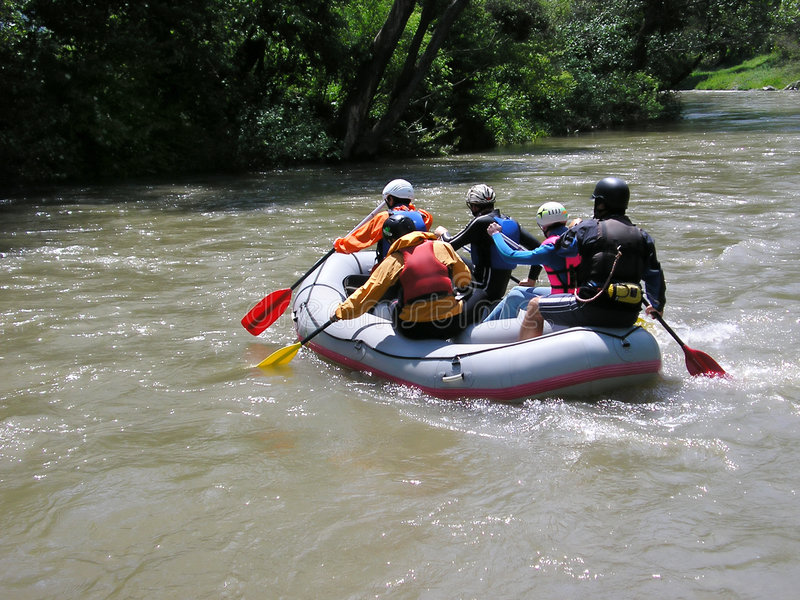 Trasportando sul fiume immagini stock libere da diritti