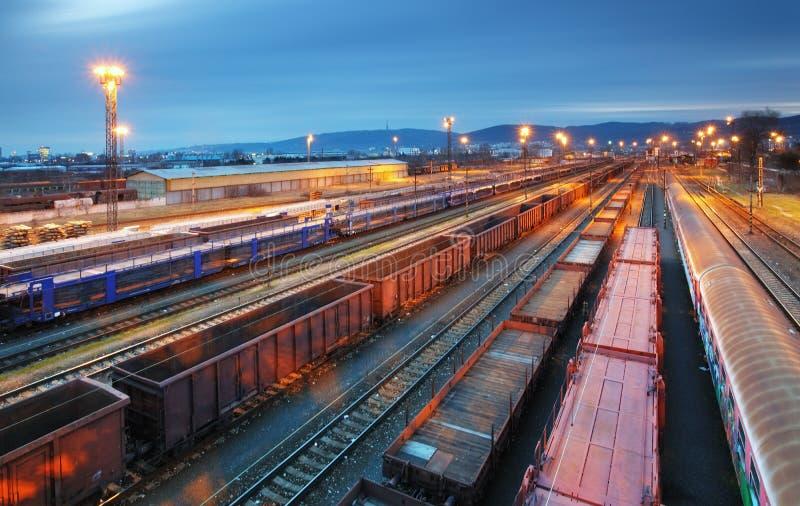 Trasportation поезда груза - железная дорога перевозки стоковые изображения rf