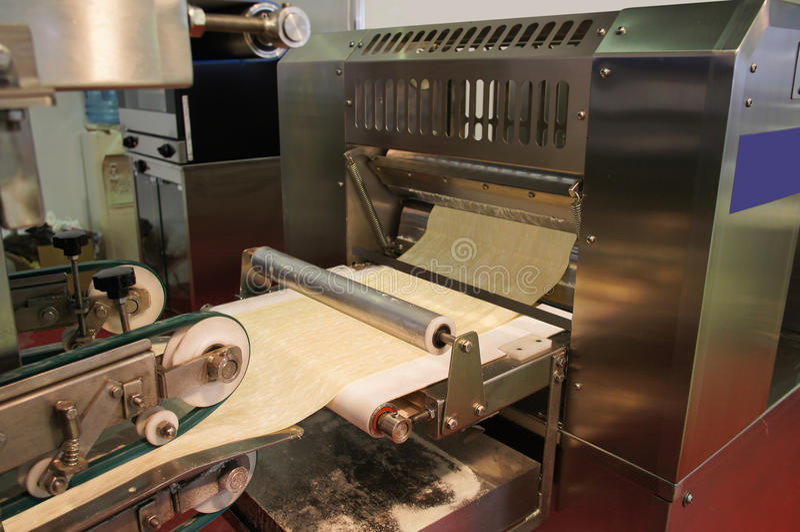 Download Trasportatore del forno fotografia stock. Immagine di manufacturing - 30830758