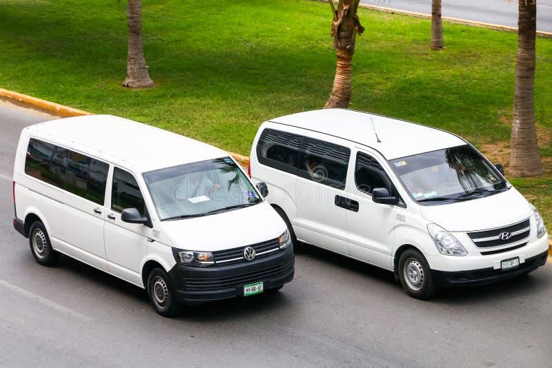 Trasportatore di Volkswagen e Hyundai H-1 fotografia stock