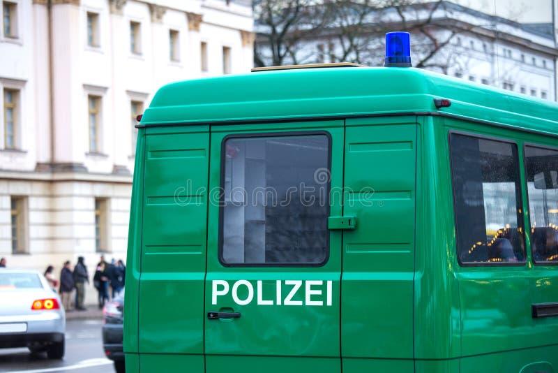 Trasportatore tedesco del gruppo della polizia fotografie stock libere da diritti