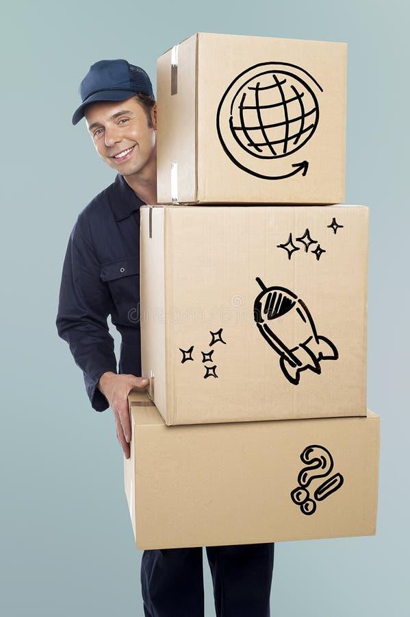 Trasporto del fattorino scatole di cartone fotografia stock