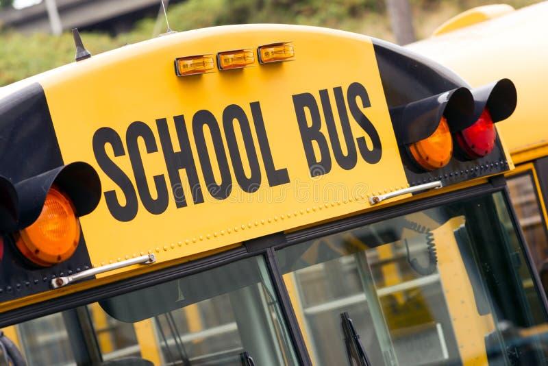 Trasporto di istruzione elementare del marsupio dello scuolabus fotografia stock libera da diritti