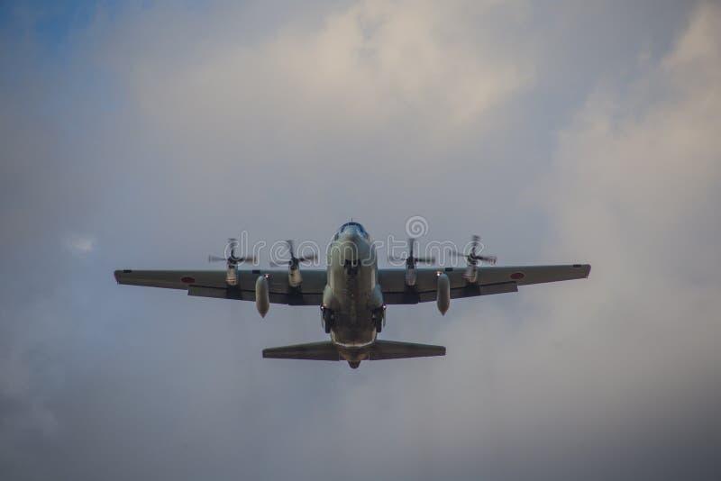 Trasporto giapponese della forza di autodifesa C-130 fotografie stock