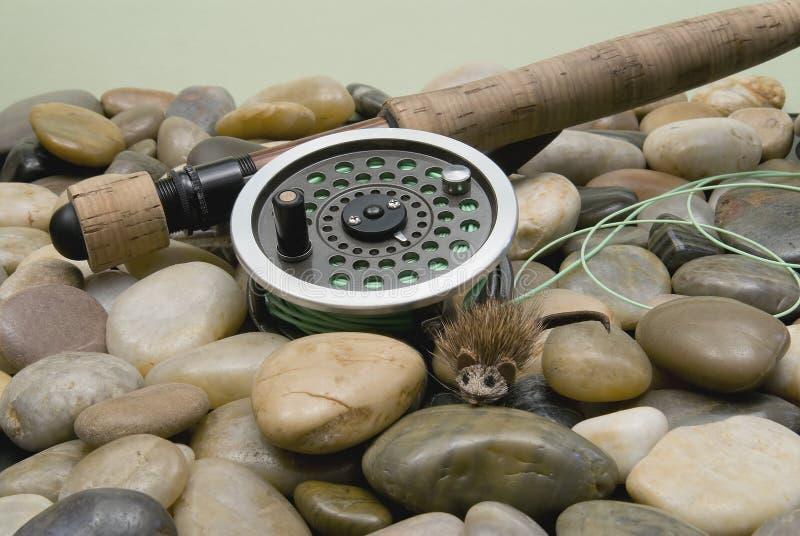 Trastos de pesca de mosca fotos de archivo libres de regalías