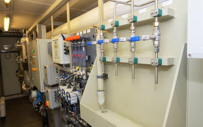 Tratamento da água desmineralizado fotografia de stock royalty free