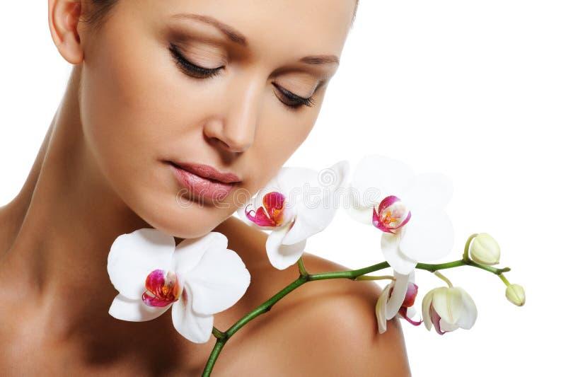 Tratamento da pele para a mulher adulta da beleza fotos de stock
