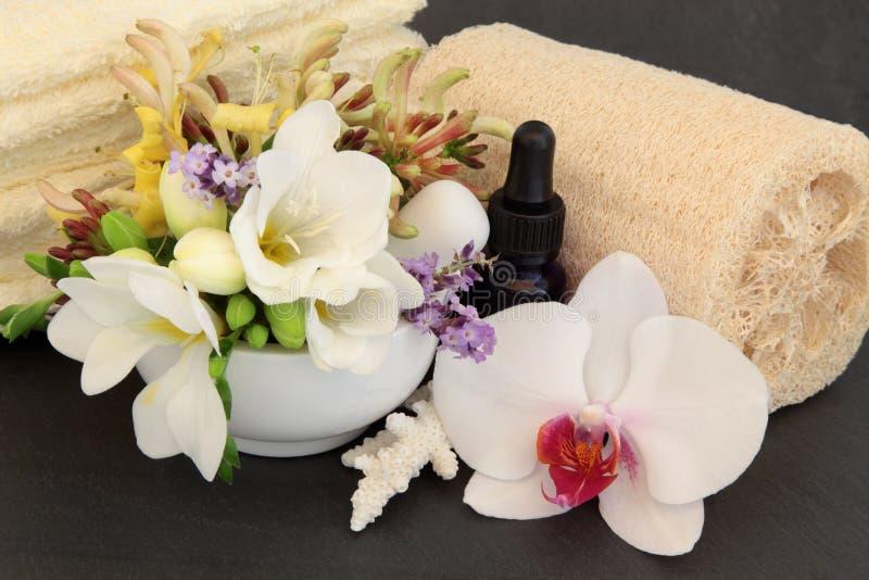 Tratamento floral dos termas fotografia de stock royalty free