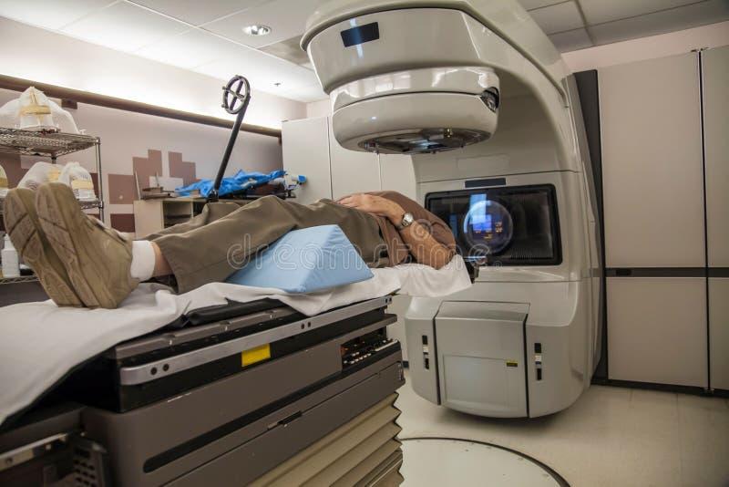 Tratamiento contra el cáncer del cerebro foto de archivo