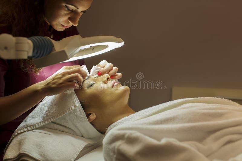 Tratamiento cosmético foto de archivo libre de regalías