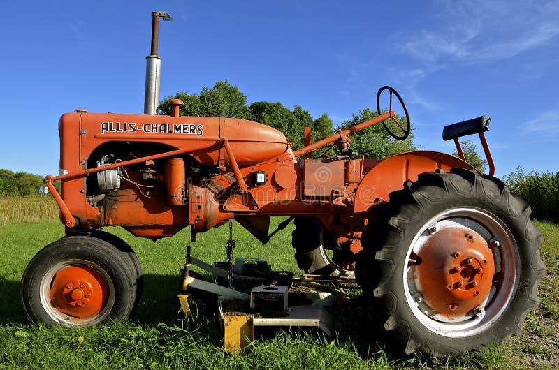 Trator restaurado velho de Allis Chalmers fotografia de stock
