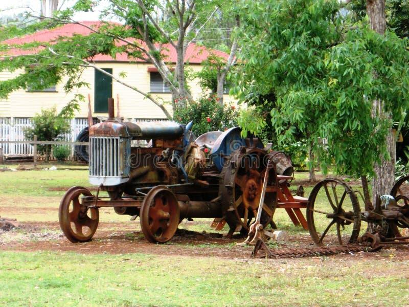 Trator velho perto de Atherton Queensland Austrália fotos de stock