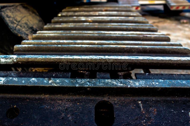 Download Tratores de aço da roda foto de stock. Imagem de parte - 65580854