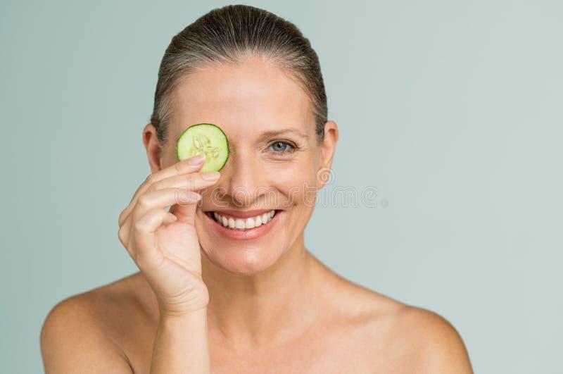 Trattamento d'idratazione per pelle matura immagini stock