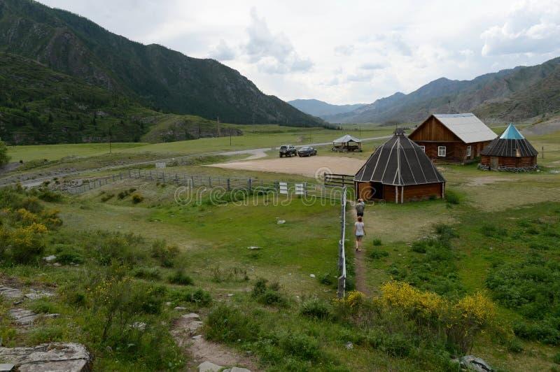 Tratto di Kalbak-Tash, montagne di Altai, Siberia fotografia stock