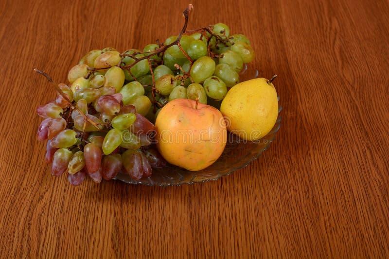 Trauben mit Apple stockbilder
