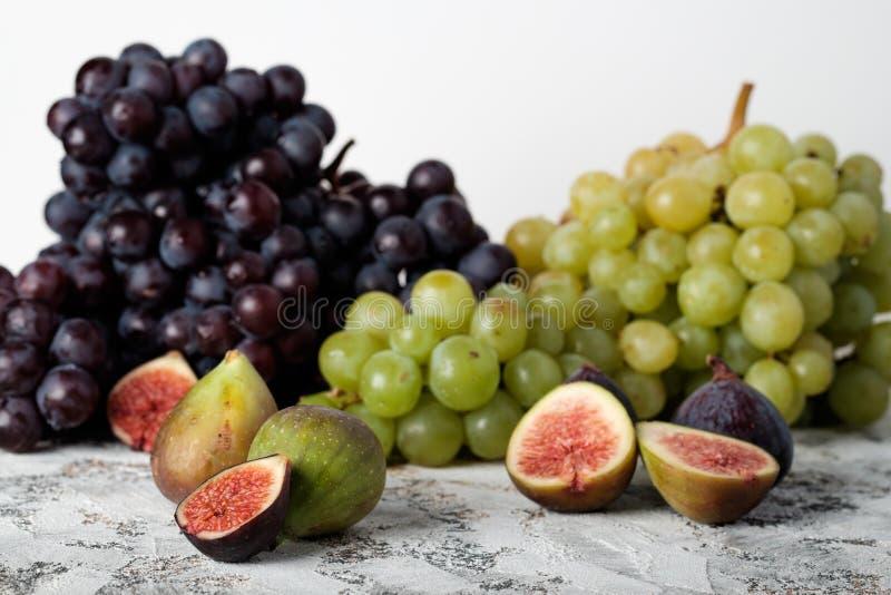 Trauben und Feigen stockbild