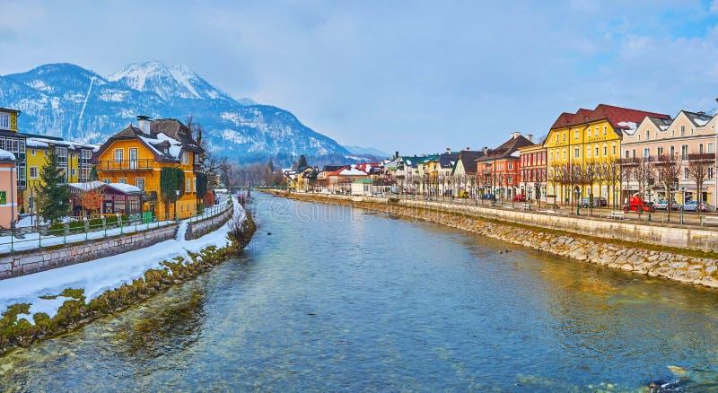 Traun-Fluss in schlechtem Ischl, Salzkammergut, Österreich lizenzfreie stockfotos