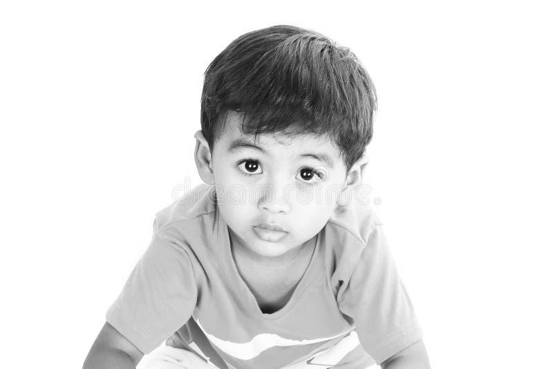 Traurige Augen eines Kindes lizenzfreie stockbilder