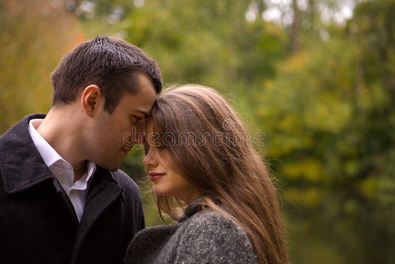 Traurige Paare stockbilder