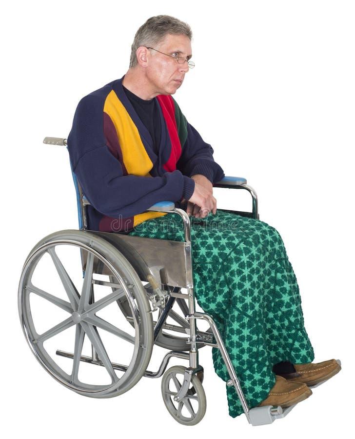 Trauriger einsamer älterer älterer Mann-Rollstuhl, lokalisiert lizenzfreie stockfotos
