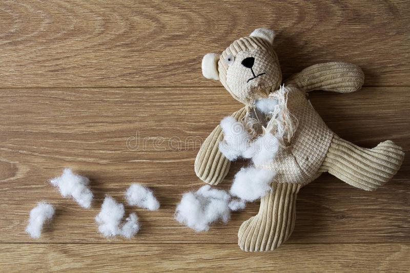 Trauriger, verlassener Teddy Bear lizenzfreie stockfotografie