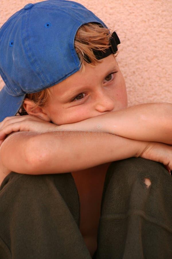 Trauriges Kind lizenzfreie stockfotografie