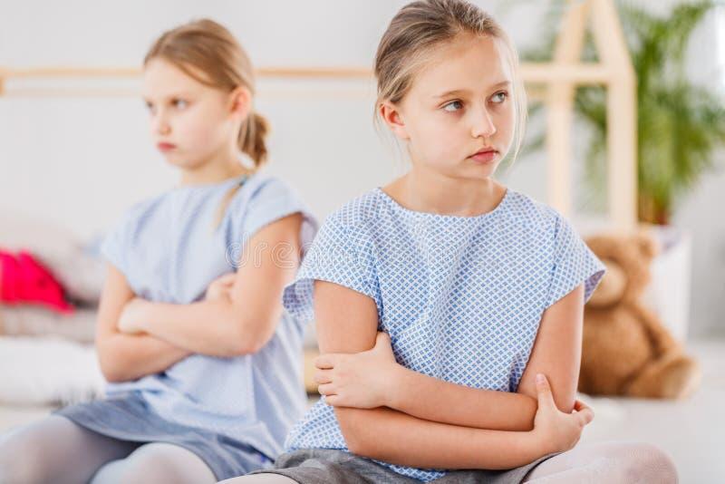 Trauriges Mädchen nach Streit lizenzfreie stockbilder