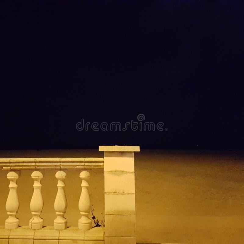 A través de la playa imágenes de archivo libres de regalías