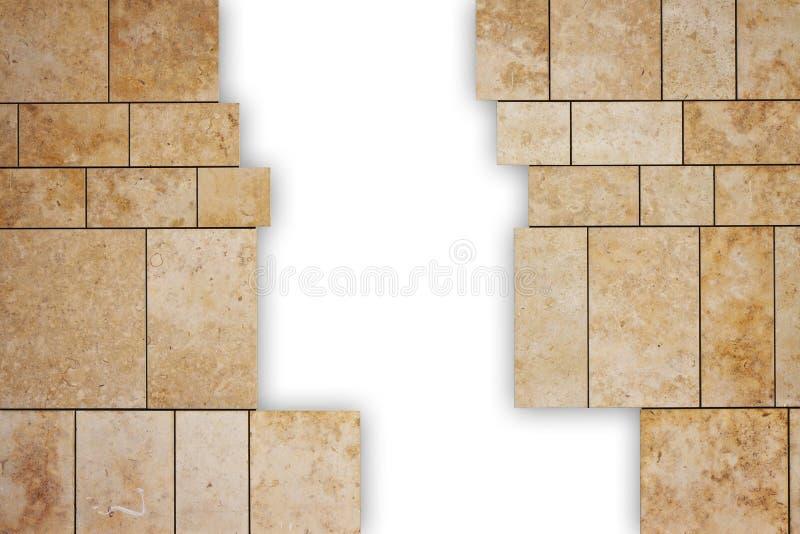 A través de una pared de piedra moderna agrietada usted puede ver un espacio en blanco con el fondo blanco - imagen del concepto  fotografía de archivo libre de regalías