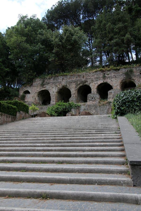 A través del Colosseum foto de archivo