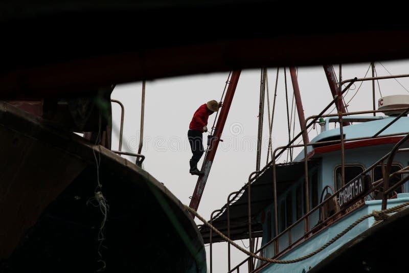 Travail dans le port image libre de droits